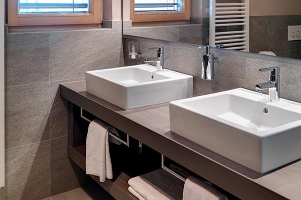 lavandini bagno camera comfort hotel villamadonna