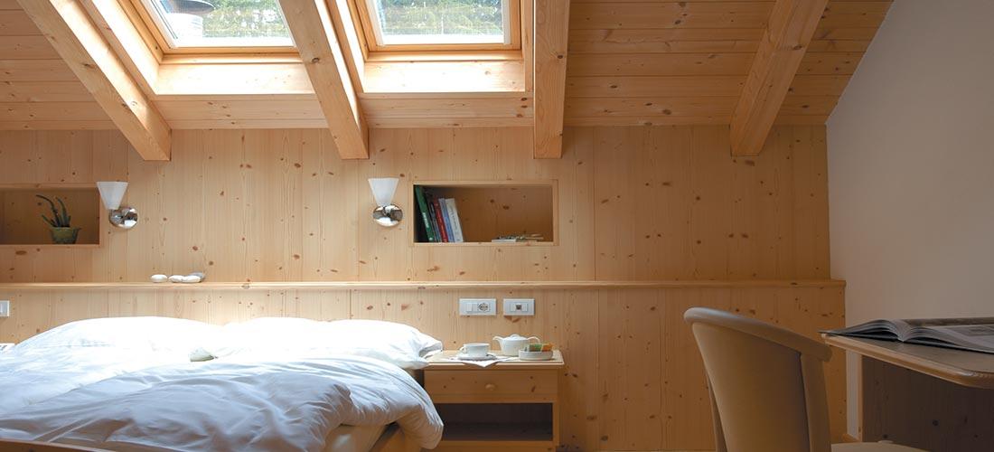 camera in legno senza balcone hotel villamadonna