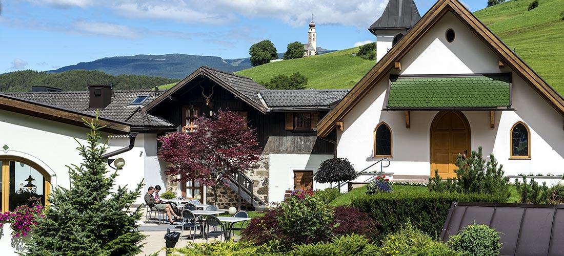 vista corte hotel villa madonna panorama alpe di Siusi