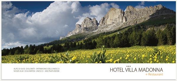 panorama montagne e valle alpe di Siusi