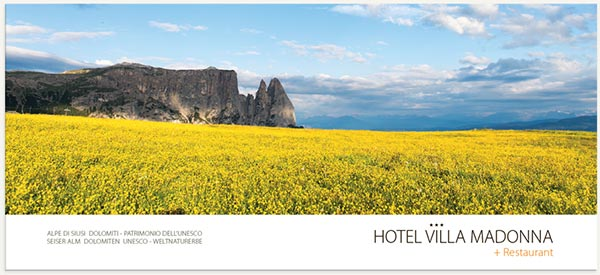 panorama montagne e fioritura alpe di Siusi