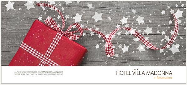 pacco natalizio rosso
