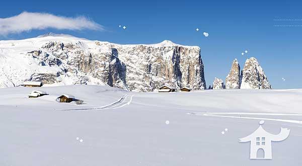 Massiccio dello Sciliar ricoperto di neve all'alpe di Siusi in Trentino Alto Adige